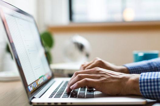 Trabajadores más productivos con redes sociales corporativas